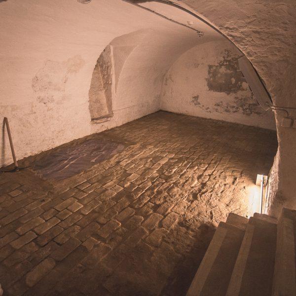 Pincetárlat a kastélyban