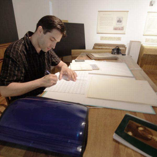 A miskolci zenetörténész a nyaralása alatt is Erkel munkásságát kutatja