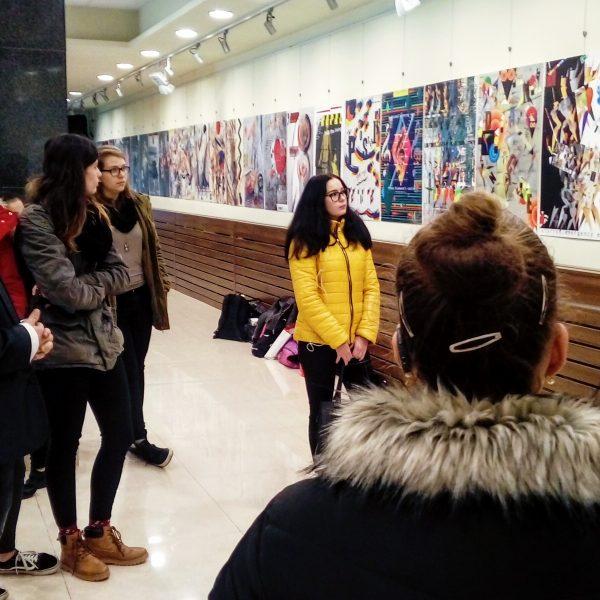 Vizuális gyakorlat a földszinti galériában