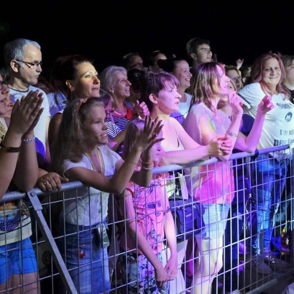 Tengeri Attila zenés gyermekműsora és Olasz Meló koncert a Várkertben