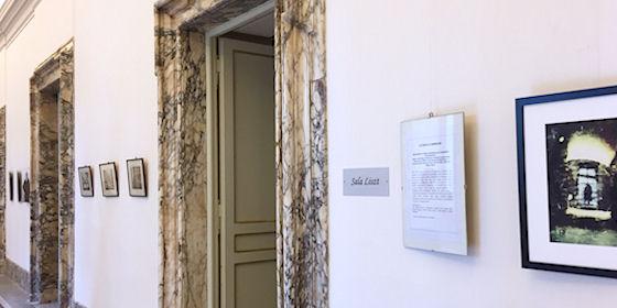 """Gyulán is kinyílnak """"A debreceni ajtók"""" – Kiállítás a Művház földszinti galériájában"""