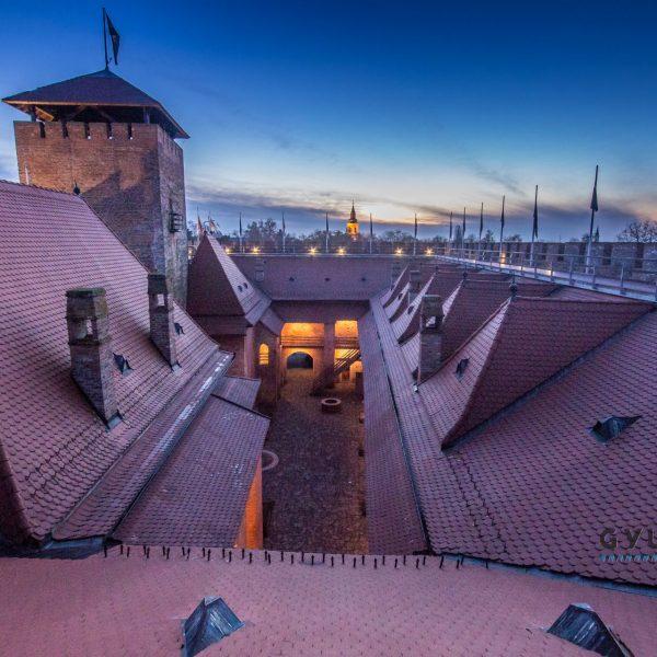 A hétvégén kinyit a vár