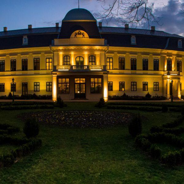 Valódi sikertörténet – Látogatók százezrei és szakmai elismerések az ötéves kastélyban